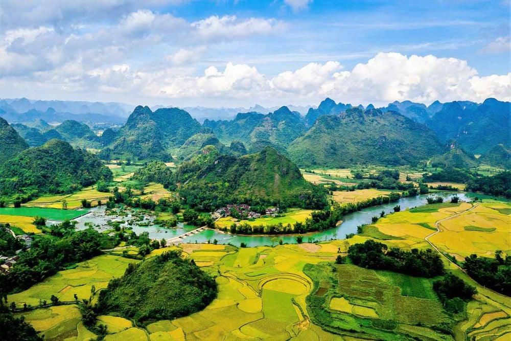 Vẻ đẹp hùng vĩ của núi rừng Cao Bằng
