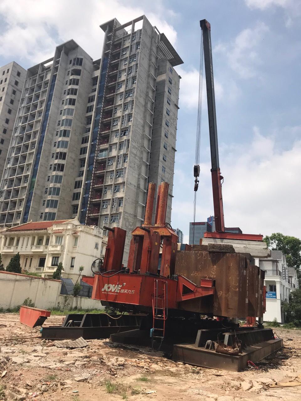 Tiến hành khoan cọc bê tông dự án số 5 Thành Công